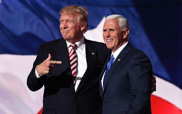 Phó Tổng thống Pence có thẩm quyền cuối cùng để tuyên bố rằng các bang được đề cập đã không tiến hành bầu cử tổng thống đúng quy định. Sẽ có những tiếng than khóc và nghiến răng, nhưng không ai có quyền thay thế quyết định của ông ấy (Ảnh: Getty)