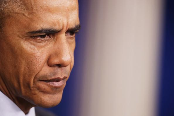 Âm mưu của Obama là sử dụng CIA để hợp tác với một số đồng minh là Anh, Ả Rập và Qatar nhằm tuồn vũ khí đạn dược cho các phần tử nổi dậy ở Syria trong suốt hơn một năm.