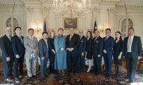 Ngoại trưởng Pompeo chính thức gặp gỡ đại diện của các đoàn thể bị ĐCS Trung Quốc đàn áp