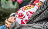 Nghiên cứu: Thai phụ nhiễm COVID-19 trong 3 tháng cuối của thai kỳ không lây virus cho con