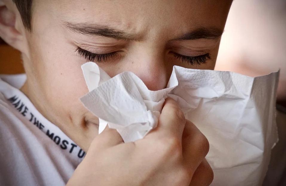 Người mẫn cảm liệu có được an toàn trước vaccine ngừa COVID-19?
