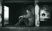 Bản tính con người vốn là Thiện: Báo đáp của tên tội phạm trốn truy nã