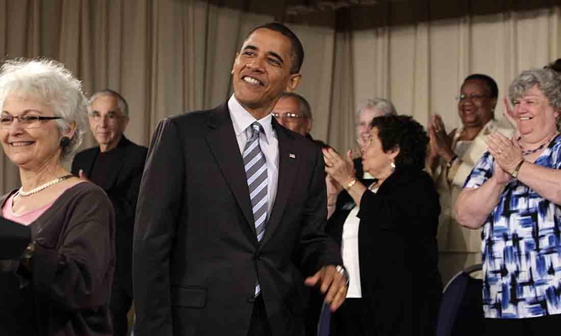 """<span style=""""font-weight: 400;"""">ObamaCare đã thất bại nặng nề khi đưa ra lời hứa không thể thiếu là """"Nếu bạn thích gói bảo hiểm sức khoẻ của mình, bạn sẽ có thể duy trì nó theo định kỳ"""". </span>(Getty Images)"""