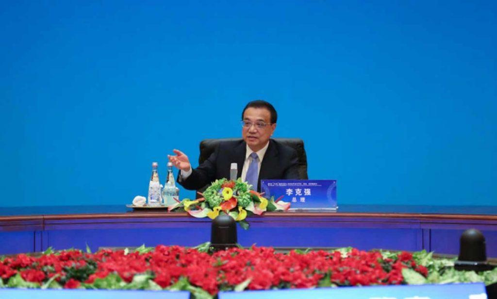 Lần đầu tiên Trung Quốc đi vay nợ với lãi suất âm