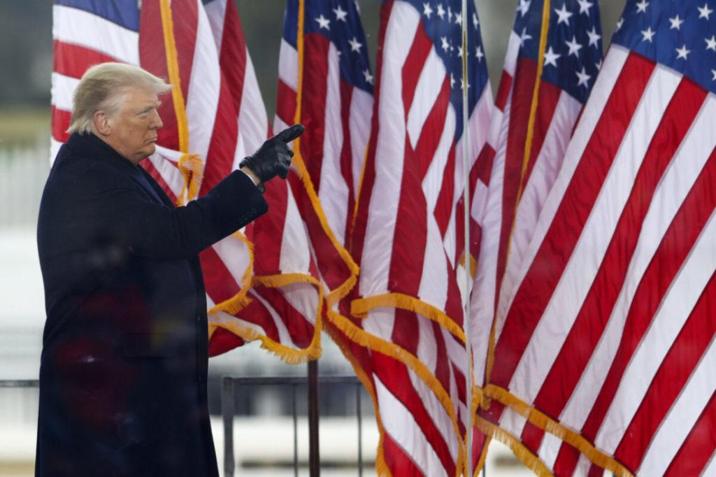 Khảo sát mới cho thấy người dân Mỹ vẫn ủng hộ ông Trump