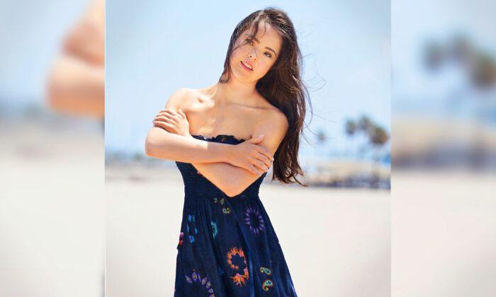 Người mẫu Tây Ban Nha mắc hội chứng Down: 'Không có rào cản nào nếu như bạn có ước mơ'