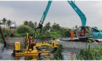 TP. HCM đề xuất chi gần 13 tỷ đồng thuê máy vớt rác trên kênh