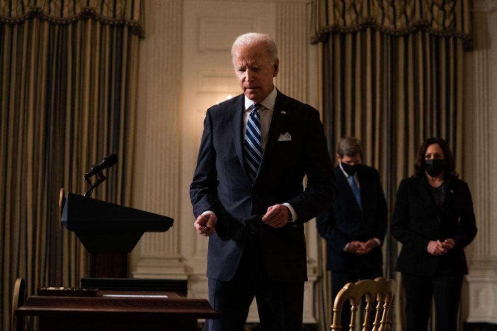 Chính quyền Biden khôi phục lại tài trợ phá thai ở nước ngoài