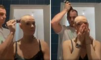 Bạn gái bị chứng rụng tóc, người bạn trai bất ngờ cạo luôn mái tóc của mình khiến cô gái bật khóc