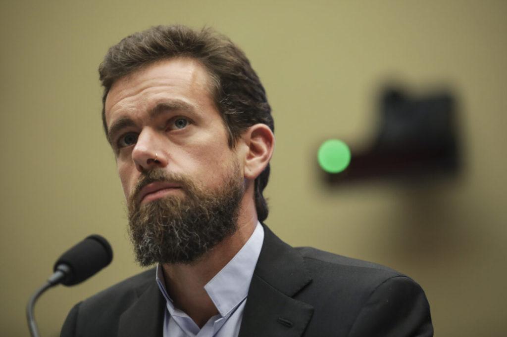 Twitter hợp tác với AP và Reuters để chống lại 'thông tin sai lệch'