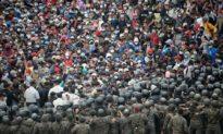 Chính quyền Biden cho phép 25 000 người tỵ nạn nhập cảnh từ biên giới Mexico giữa tâm dịch viêm phổi Vũ Hán