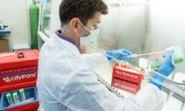 Dược sĩ bị bắt vì cố ý làm hỏng hàng trăm liều vaccine COVID-19
