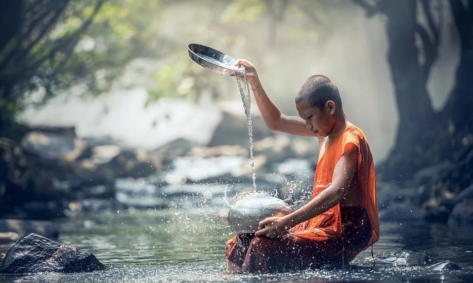 Nước là 'Vua của trăm thuốc' và 4 điều nhất thiết phải chú ý khi uống nước