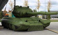 Quân đội Nga dùng xe tăng bơm hơi để ngụy trang và đánh lừa kẻ thù