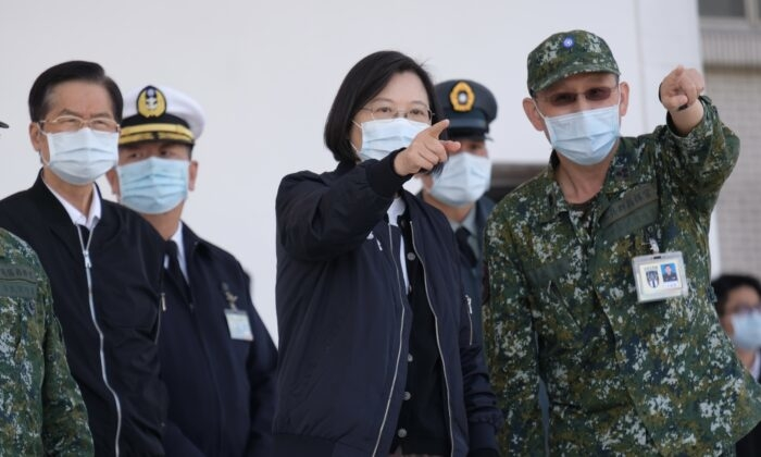 Một hiệu ứng domino toàn cầu bắt nguồn từ việc Bắc Kinh xâm lược Đài Loan, dưới 'sự cho phép' của chính quyền Biden?