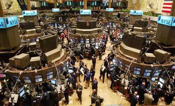 Chứng khoán Mỹ lập kỷ lục mới kích thích sự hưng phấn của thị trường chứng khoán khắp Châu Á