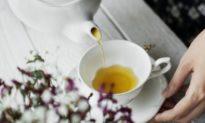 Uống trà thường xuyên tăng cường chức năng của não bộ