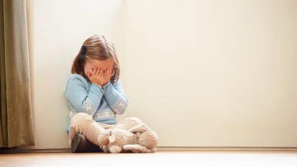 Vì sao cha mẹ không nên cãi nhau trước mặt con cái?