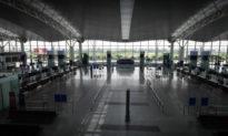 Truy vết hàng loạt nhân viên tiếp xúc ca nhiễm COVID-19, sân bay Nội Bài có nguy cơ đóng cửa