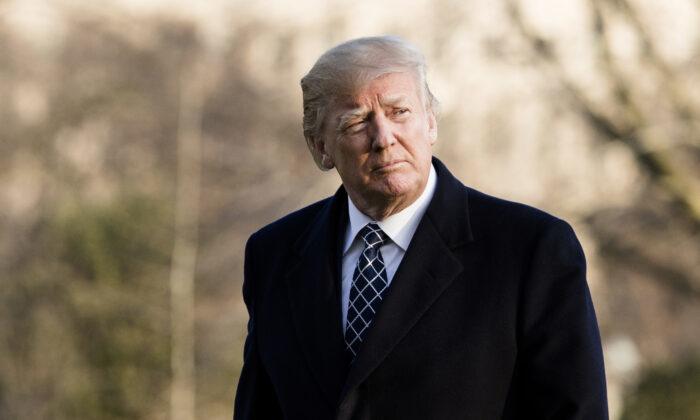 Ông Donald Trump trắng án trong phiên luận tội lần thứ hai