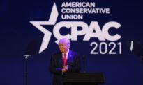 Cựu TT Trump chỉ trích ông Biden vì khủng hoảng leo thang ở biên giới Mỹ