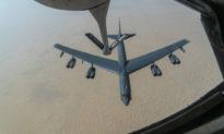 Mỹ cử máy bay ném bom B-52 tới Trung Đông