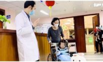 Sức khỏe ngày ra viện của bé gái 3 tuổi rơi từ tầng 13 chung cư ở Hà Nội