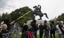 """Lãnh đạo """"Black Lives Matter"""" bị bắt liên quan đến vụ phá hoại tượng đài Abe Lincoln"""