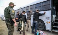 Sau hàng loạt chỉ trích, chính quyền Biden tuyên bố sửa chữa 1 phần bức tường biên giới Mỹ - Mexico