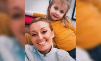 Người mẹ bị ung thư vú 'vô phương cứu chữa' lựa chọn phương pháp điều trị thay thế, và nhận thấy khối u thu nhỏ lại