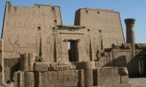 Công nghệ và thiết bị nào được sử dụng để xây dựng các công trình kiến trúc cổ đại?