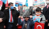 Người Duy Ngô Nhĩ tại Thổ Nhĩ Kỳ biểu tình phản đối chuyến thăm của ông Vương Nghị