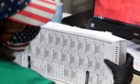 Thẩm phán lệnh bầu cử lại sau khi phát hiện 78% phiếu bầu qua thư không hợp lệ, công chứng viên bị bắt