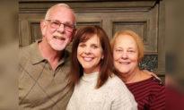 Chuyện tình cảm động: Cặp đôi tái hợp sau 50 năm xa cách nhờ con gái ruột được cho nhận nuôi