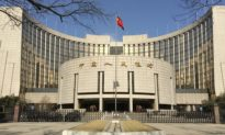 Trung Quốc chật vật co kéo với rủi ro từ dòng vốn 'nóng'