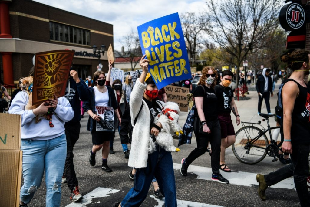 Đang biểu tình vì 'nạn nhân', BLM bỏ đi khi biết đó là người da trắng