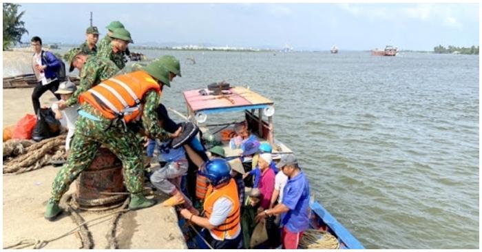 Tàu cá Quảng Nam cùng 9 ngư dân mất liên lạc trên biển Trường Sa