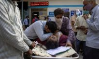 Ấn Độ thêm gần 350.000 ca Covid-19 một ngày, bệnh viện từ chối bệnh nhân