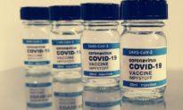 Cứ 4 người thì có 1 người gặp các tác dụng phụ toàn thân từ vắc-xin COVID-19, nghiên cứu