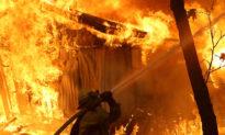 4 bé gái đốt nhà rồi khoe lên mạng xã hội do 'buồn chán'