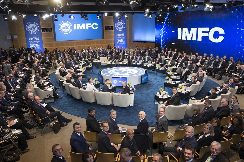 IMF dự báo kinh tế toàn cầu tăng trưởng 'khủng' vào năm 2021. Có quá sớm để kỳ vọng?