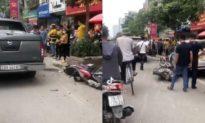Xe bán tải tông liên tiếp vào 3 ô tô, 2 xe máy khiến 2 người nhập viện