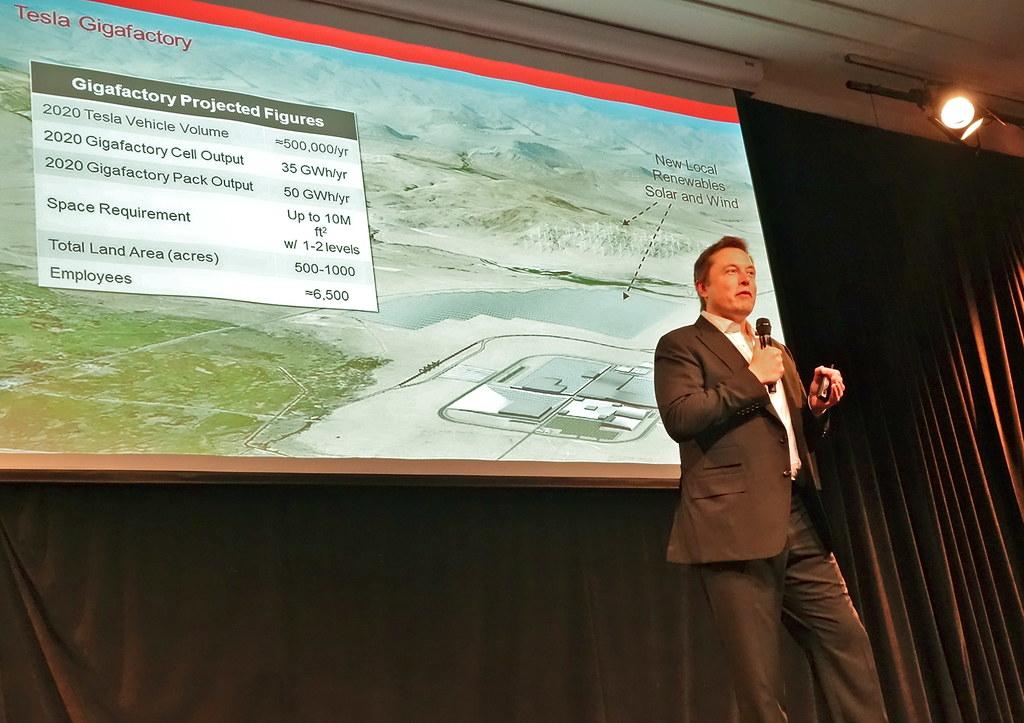 Vì sao Vinsmart và các 'ông lớn' công nghệ thế giới đua nhau làm xe điện?