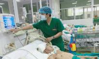 Nhiều bệnh nhân chuyển nặng: 3 bác sỹ phải thở oxy, 1 ca nguy cơ tử vong