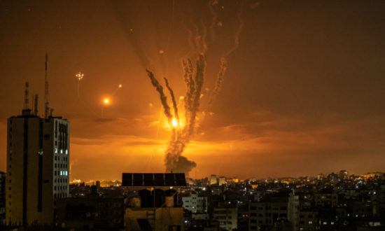 Bầy kền kền ở dải Gaza...