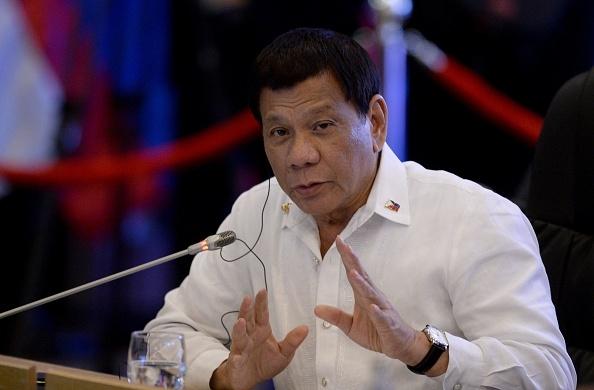Tổng thống Philippines nói không cúi đầu trước Bắc Kinh ngay cả khi bị giết