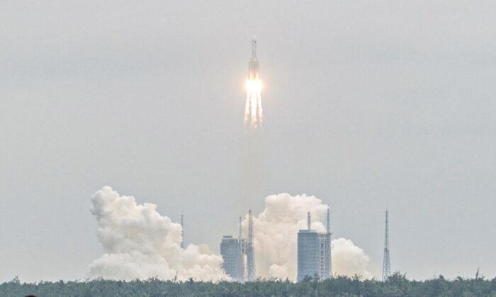NASA chỉ trích Trung Quốc sau khi mảnh vỡ tên lửa bốc cháy trên Ấn Độ Dương