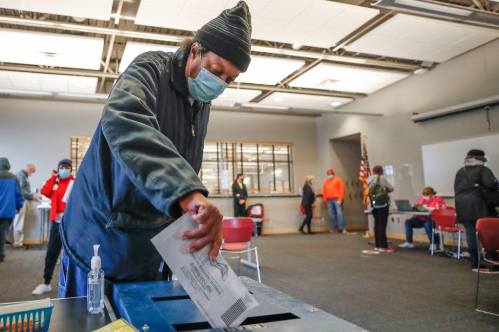 Mâu thuẫn lớn trong số liệu cử tri đi bầu của Cuộc bầu cử Tổng thống 2020: Cục điều tra dân số Hoa Kỳ xác nhận