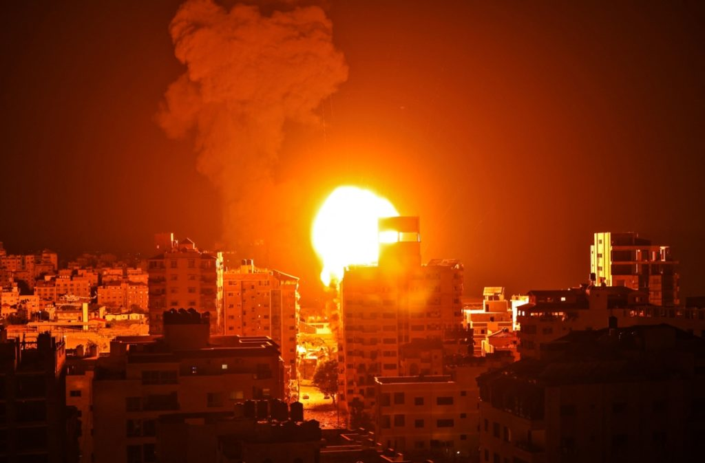 Cuộc chiến Israel - Palestine: Gà cùng một mẹ sao vẫn cứ hoài đá nhau?