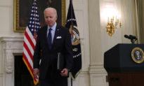 Ông Biden bỏ đi khi phóng viên hỏi về việc giá cả ở Mỹ đang tăng cao